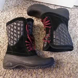 Like newThe North Face Boots Sz 9